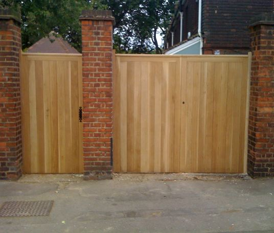 Rear access gate which is ledged and braced. Tongue and groove detailing adds interest to the piece, topped with hand varnishing adds a smooth finish.